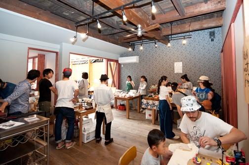 小林芳三商店で開催された、くらしのレシピ 第一回目の様子。